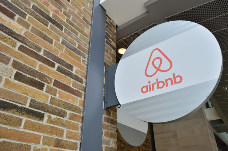 Airbnb tries to behave like a hotel - great news for Aparthotels